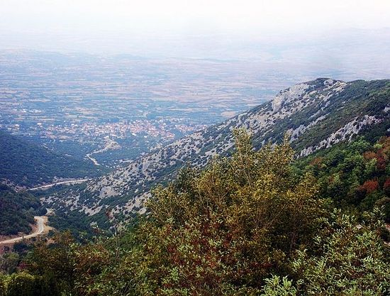 Вид на деревню Проти-Серрон из монастыря