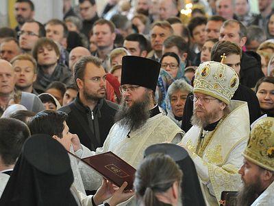 Божественная литургия и благодарственный молебен в новом храме Сретенского монастыря