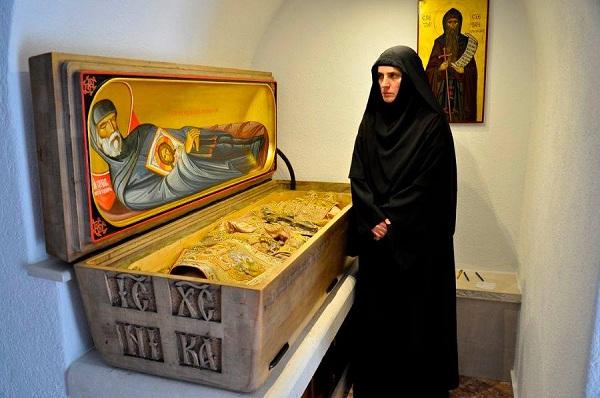 Игуманија манастира Ћелија Пиперска Јелена поред моштију Преподобног Стефана Пиперског