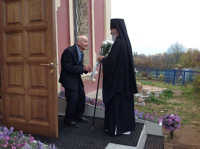 Встреча владыки нашим старейшим прихожанином