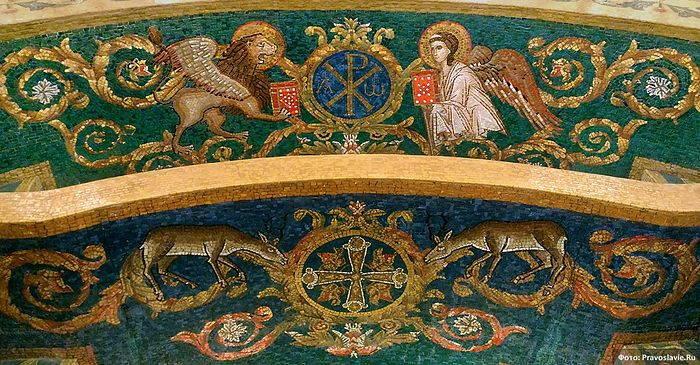 Фрагмент купели нижнего храма нового собора Сретенского монастыря. Фото: Православие.Ru