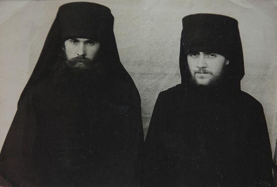 Иеродиакон Исаия (Коровай) и иеромонах Иоанн (Маслов)