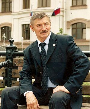 Скульптор Вячеслав Михаилович Клыков