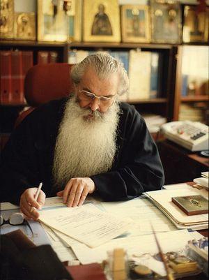Митрополит Питирим (Нечаев) за работой