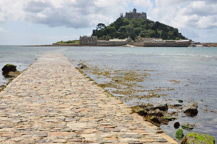 Остров архангела Михаила в Корнуолле (источник - Britishpilgrimage.org)