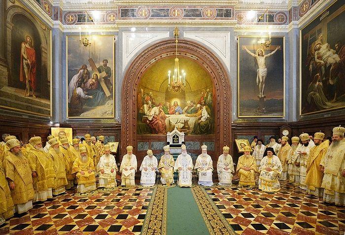 Совместное служение Предстоятелей и иерархов Поместных Православных Церквей в Храме Христа Спасителя в Москве