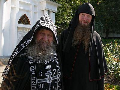 В сети опубликовали фильм о 90-летнем схимонахе Святогорской Лавры (+ВИДЕО)