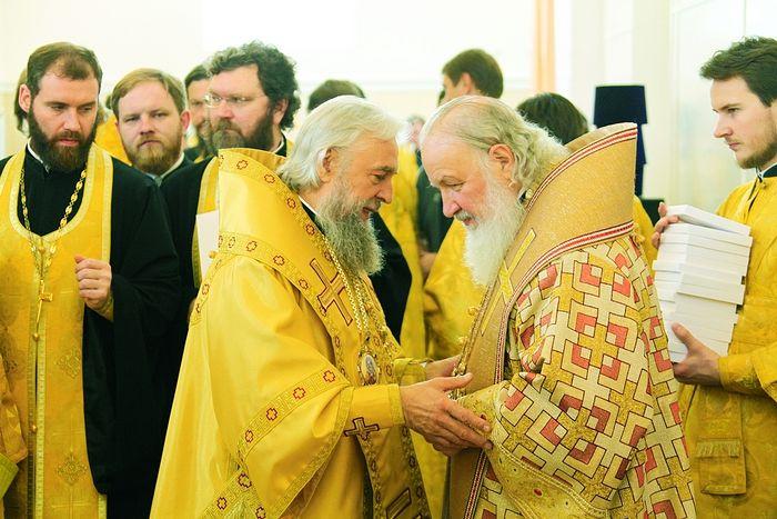 Октябрь 2015 года. Святейший Патриарх Кирилл освятил новопостроенный храм во имя святых равноапостольных Мефодия и Кирилла в Саранске и совершил первую Божественную литургию в нем