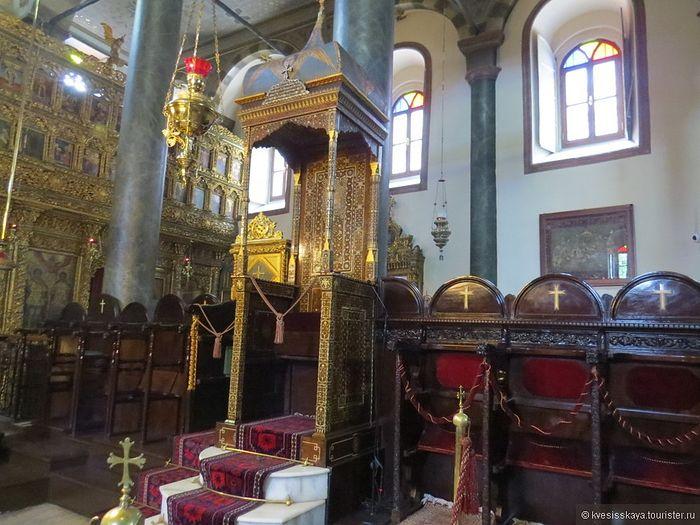 The patriarchal throne. The Patriarchal Church of St. George, Istanbul. Photo: kvesisskaya.tourister.ru