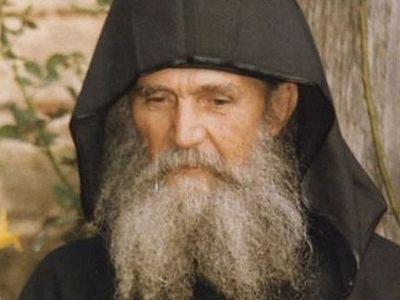 Старец Ефрем Филофейский: «Буря должна пройти, чтобы на небе появились звезды»