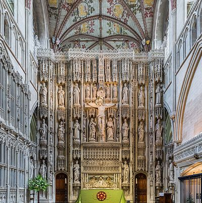The fifteenth-century high altar screen with Victorian-era statues at St. Albans Cathedral