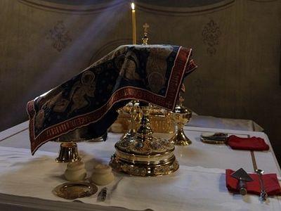Божественная литургия в Сретенском монастыре в день празднования Владимирской иконы Божией Матери