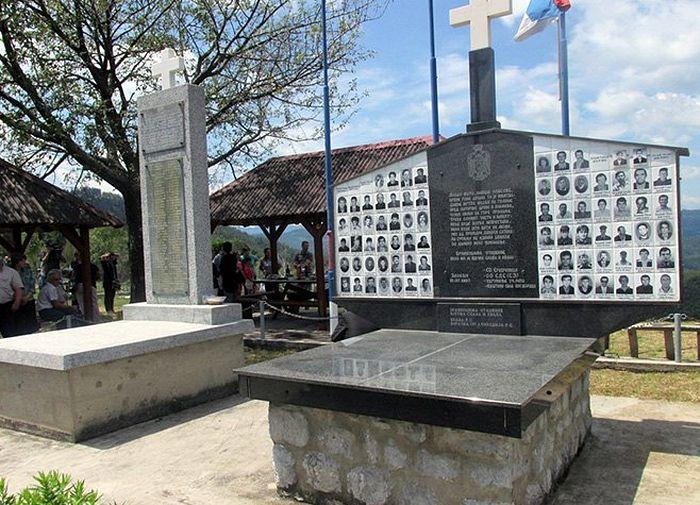 Спомен обиљежје у сребреничком селу Залазје. Фото: СРНА