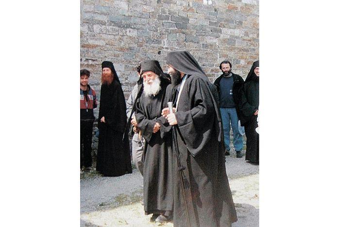 Старец Паисий свою жизнь сроднился с болью, он не роптал, но терпел и славословил Бога