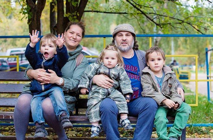 Александр Гезалов с семьей