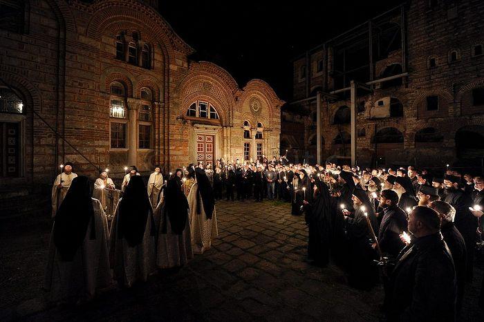Пасхальное бдение в монастыре Хиландар