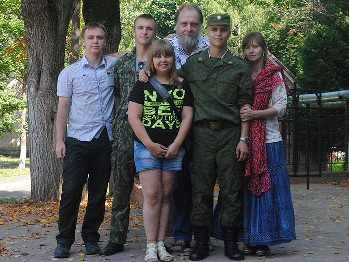 Александр Ткаченко с семьей