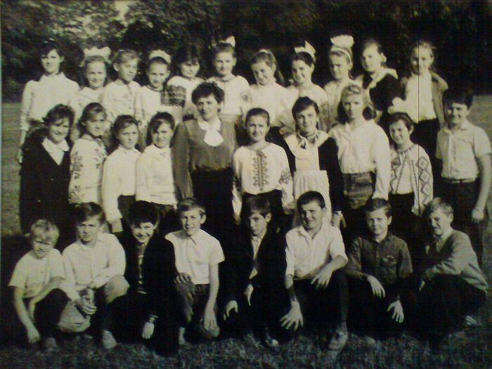 Ученики школы в Судовой Вишне