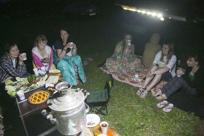 Пикник для волонтеров, организованный директором дома престарелых