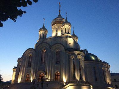 Всенощное бдение в Сретенском монастыре накануне Недели 8-й по Пятидесятнице