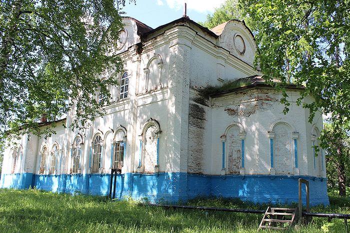 Сретенский храм села Руч