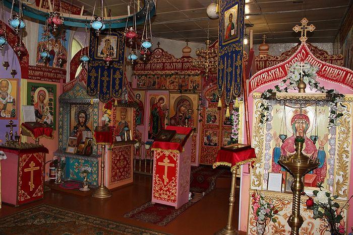 В молитвенной комнате села Руч