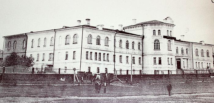 Усть-Сысольское духовное училище, смотрителем которого был Николай Михайлович Доброумов