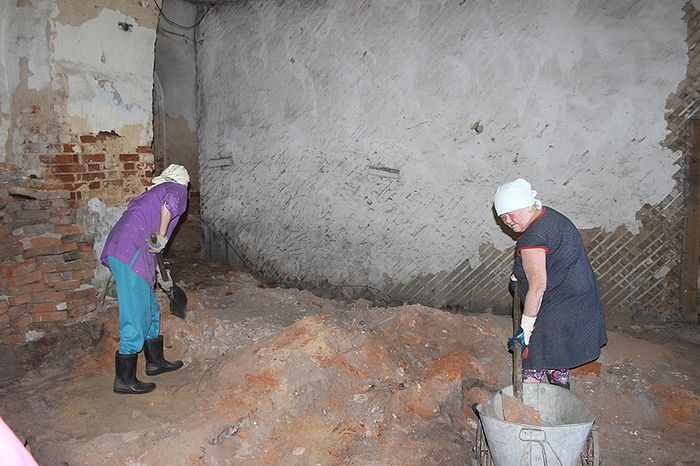 Разбор завалов внутри храма села Аныб