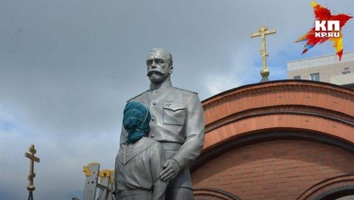 Можно и нужно ли оставлять крест вместе с памятником 8