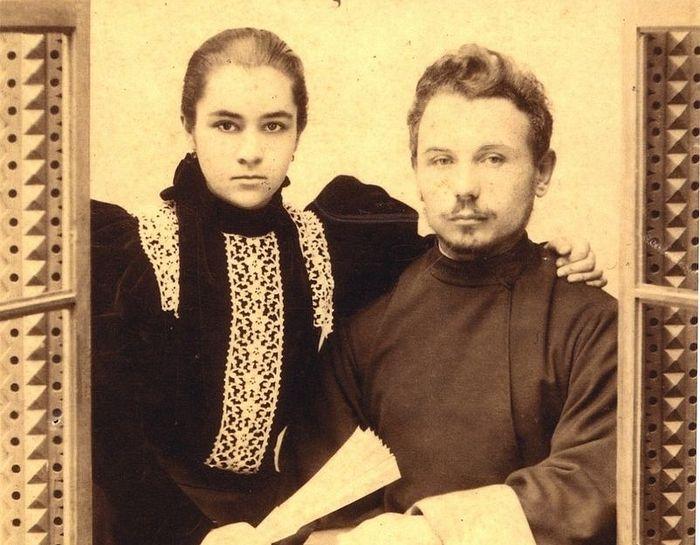 Священник Петр Воскресенский с женой Анной. После рукоположения. 1895 г.
