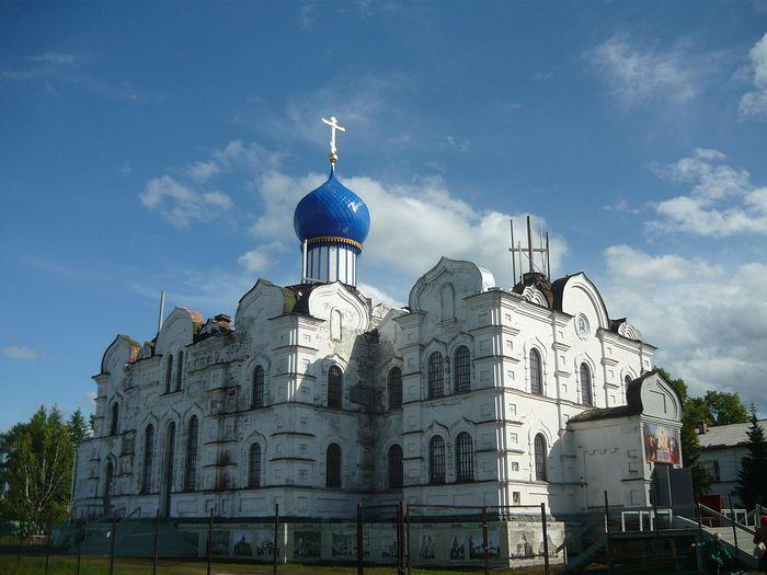 Успенский собор Сурского монастыря