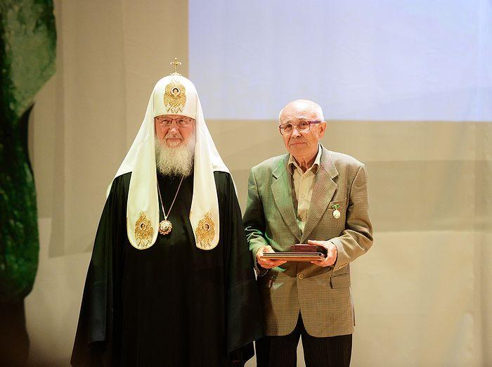 На награждении Патриаршей литературной премией. Фото: patriarchia.ru