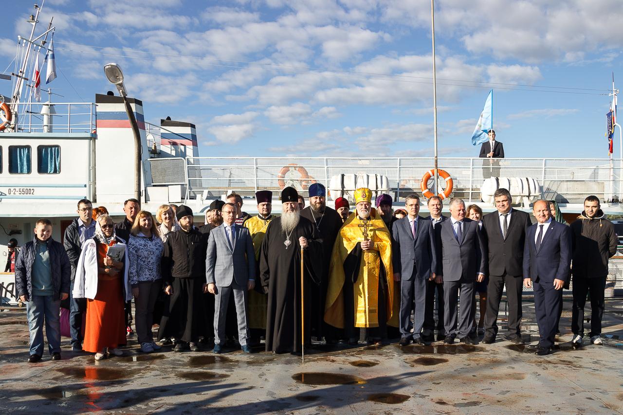 В очередной ежегодный миссионерский рейс отправился корабль-церковь «Андрей Первозванный»