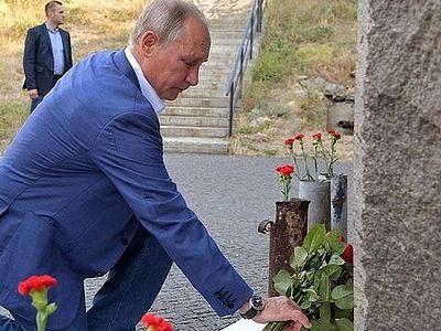 Владимир Путин почтил память защитников Севастополя