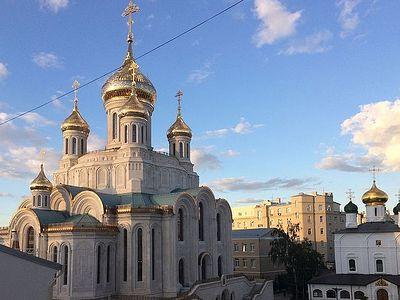 Божественная литургия в Сретенском монастыре в Неделю 12-ю по Пятидесятнице