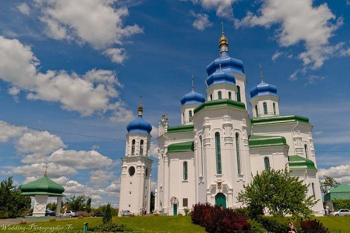 Свято-Троицкий собор на Троещине – первый в Киеве, построенный после 1917 г.