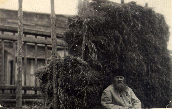Отец Павел Малиновский после сенокоса