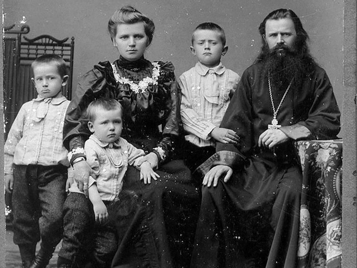 Супруги Малиновские с детьми