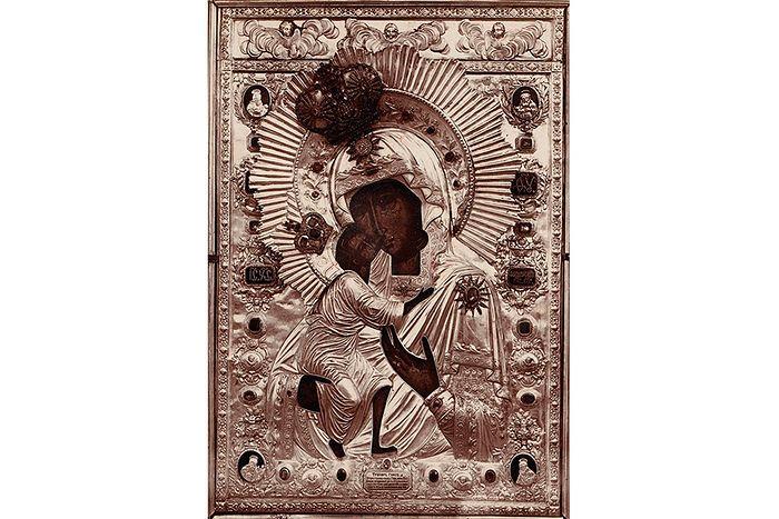 Икона в драгоценном окладе 1910 г.