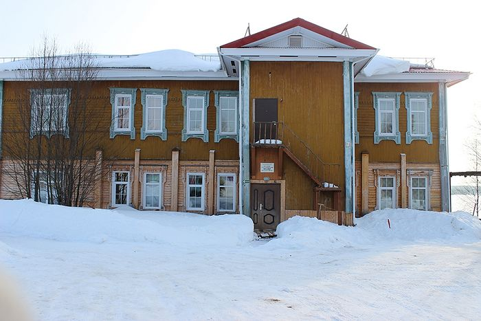 Здание бывшей земской больницы села Усть-Вымь, в которой трудился врач Николай Бронников