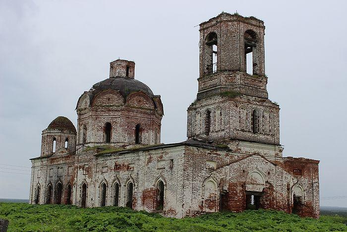 Никольский храм села Пыелдино, в котором крестили священномученика Григория Бронникова