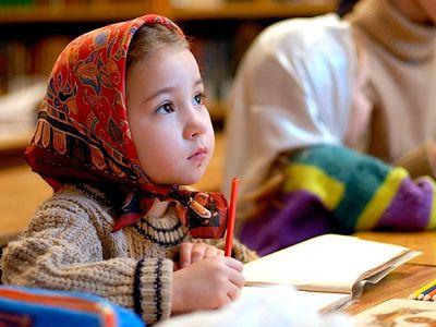 Стоит ли отдавать детей именно в православную школу?
