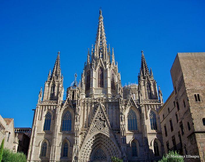 Барселонский кафедральный собор Святого Креста и святой Эулалии