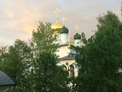 Божественная литургия в Сретенском монастыре в Неделю 13-ю по Пятидесятнице