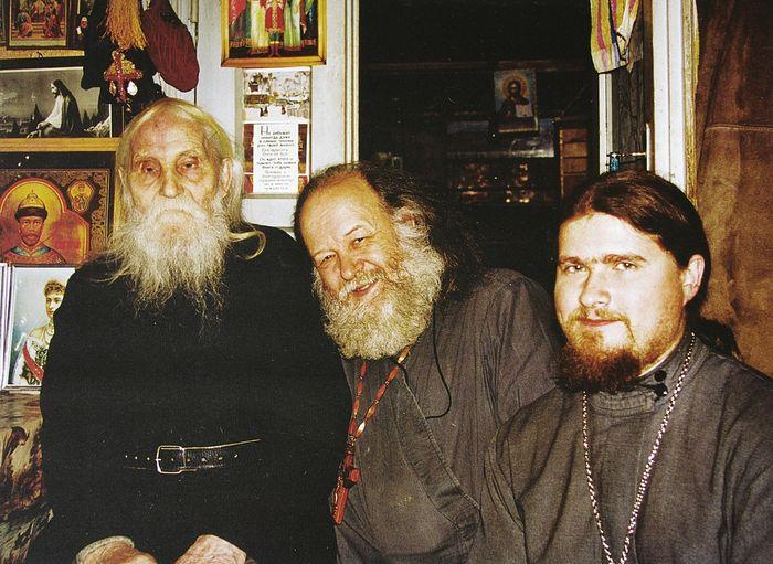 У старца Николая Гурьянова. С зятем отцом Игорем Смертиным