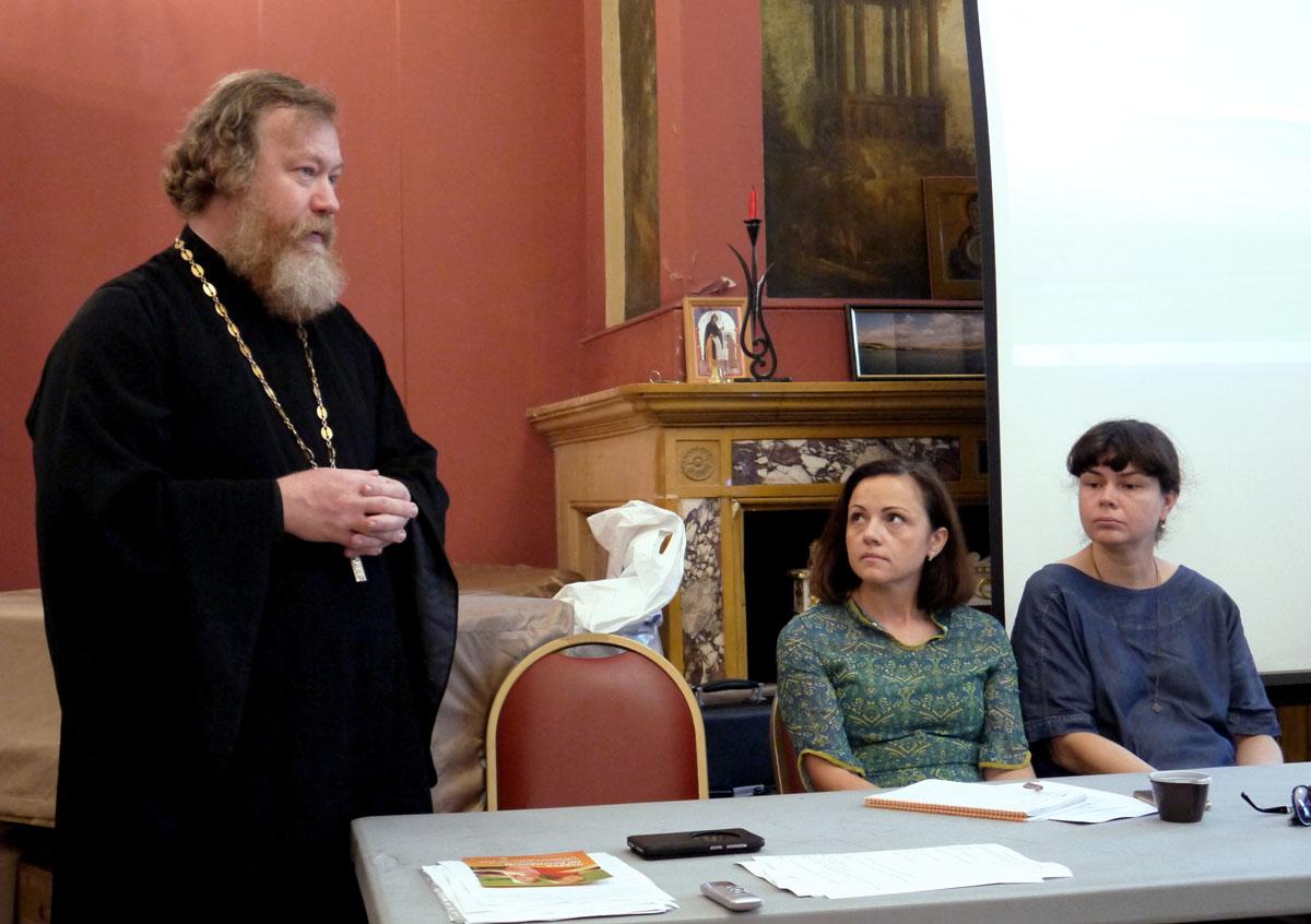 Синодальный отдел по церковной благотворительности провел семинар, посвященный проблемам детей-сирот