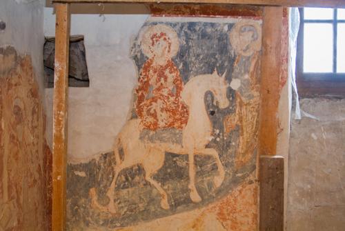 В соборе регулярно открывают новые фрески.