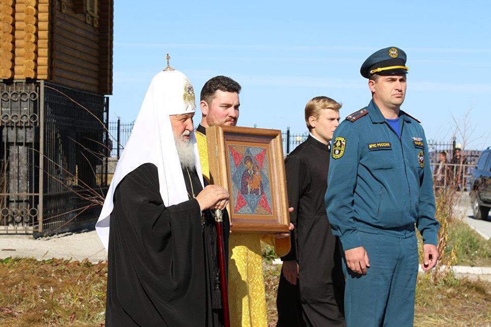 Более 17 тыс российских спасателей примут участие в молебне 17 сентября