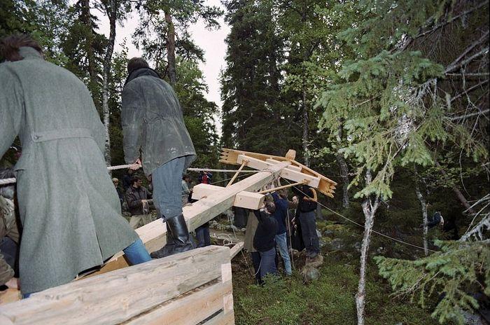 Установка первого креста на Секирной горе. 1992 год