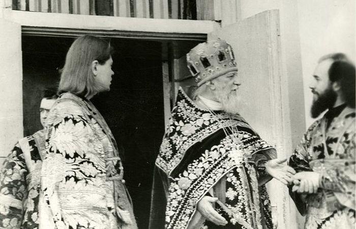 Протопресвитер Николай Колчицкий встречает гостей